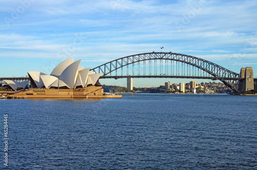 Fotobehang Stad gebouw The Sydney Harbour Bridge and Opera House