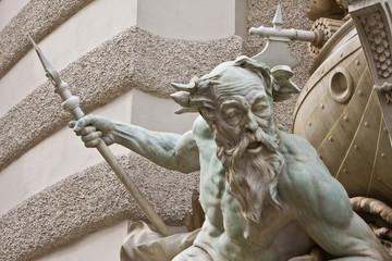 Brunnendetail d. Brunnens Macht zur See vor der Wiener Hofburg 2