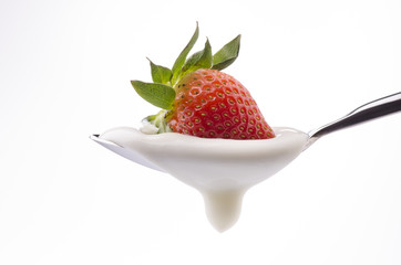 yogurt bianco e fragola