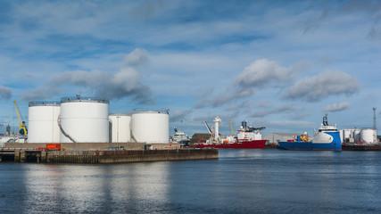 Oil tanks and platform supply ships