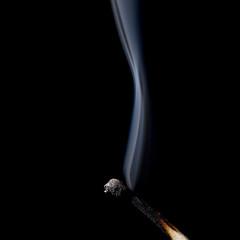 Streichholz burnout mit qualm