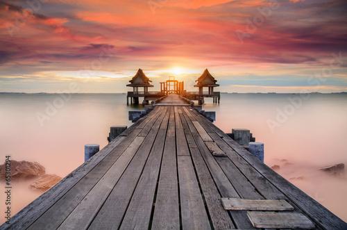 Wooded bridge - 65301294