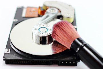 harddisk and Cleaning brush
