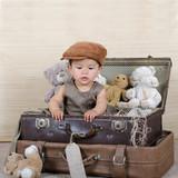 Mädchen im Koffer