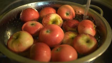Washing fresh apples