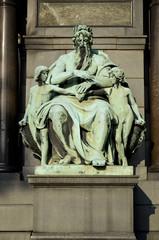 Statua del basamento di Deák Ferenc, Budapest.