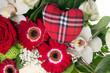 bunter Blumenstrauß mit Stoffherz