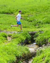 Läufer im Grünen