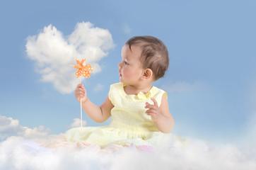 Mädchen auf der Wolke
