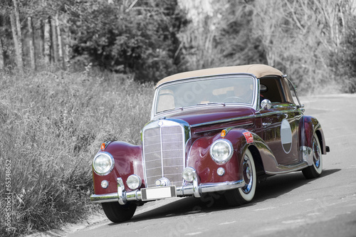 Vintage car - 65348652
