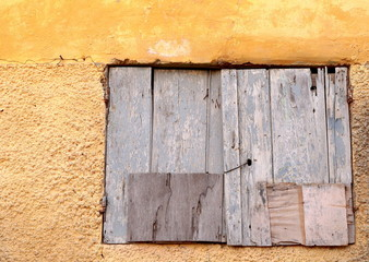 Little rustic window-Saint Louis du Senegal