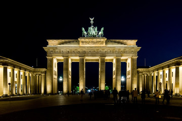 Brandeburg gate by night in Berlin