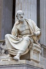 Herodot - Figur vor Wiener Parlament