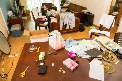 Leinwanddruck Bild Messy room