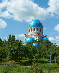Храм Троицы Живоначальной в Орехово-Борисово. Москва