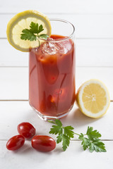 Zumo de tomate cherry, bloody mary, gazpacho, cocktail