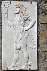 Gli scavi di Ercolano - Napoli, bassorilievi