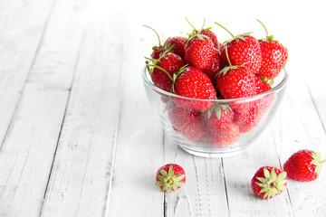 many strawberries
