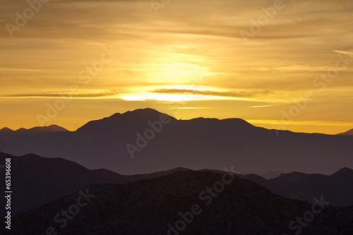 Fotobehang Woestijn Colorful Mountain Sunset