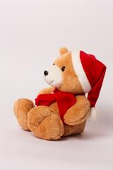 Мишка рождественский в красном колпаке