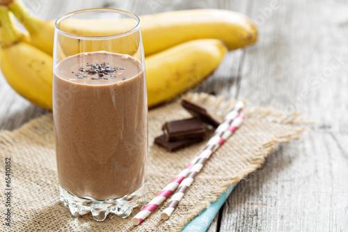 Fotobehang Kruidenierswinkel Chocolata banana smoothie