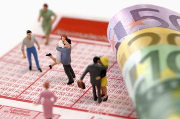 Figuren auf Lottoschein