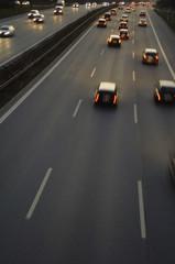 Deutschland, Verkehr auf der Autobahn, Abendstunden, Rushhour