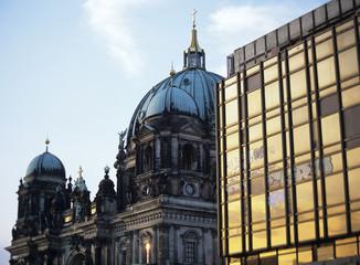 Zwei Hausfassaden, Berlin, Deutschland