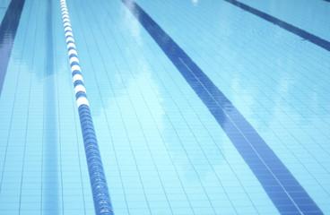 Hallenbad, Schwimmbahnen