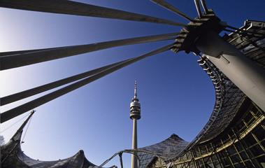 Deutschland, Bayern, München, Olympiapark mit Fernsehturm