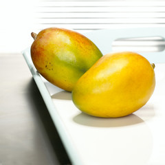Mangos auf Tablett