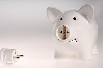 Sparschwein mit Stecker und Steckdose