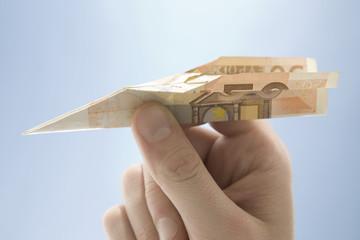 Flugzeug aus Geldscheinen geformt, Euro-Banknoten
