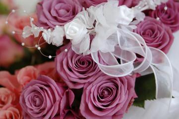 Brautstrauß mit Band gebunden