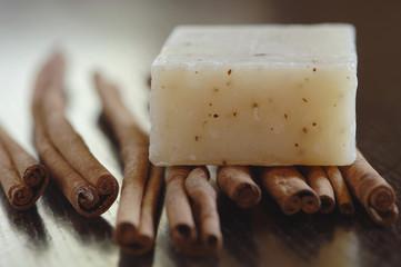 parfümierte Seifen und Zmtstange