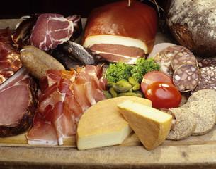 Schinken, Wurst und Käse