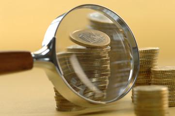 Euro-Münzen unter der Lupe