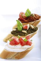 Bruschetta mit Pesto, italienische Vorspeise