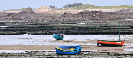 Bateaux échoués sur le sable