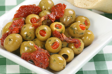olives stuffed with pimento