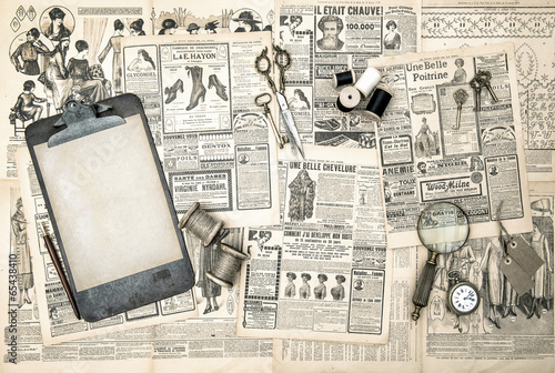 Deurstickers Kranten antique office accessories, sewing and writing tools