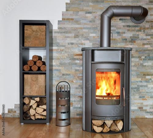brennender Kaminofen - 65438460