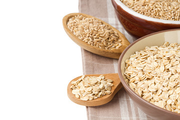 Oats and oat flakes