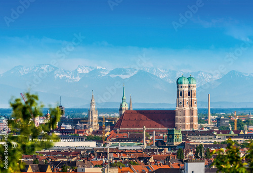 canvas print picture Frauenkirche vor Alpenpanorama