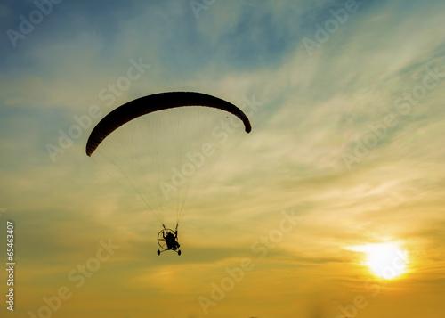 Aluminium Luchtsport Silhouette paramotor in sunset.