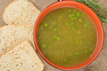 minestra rustica di piselli