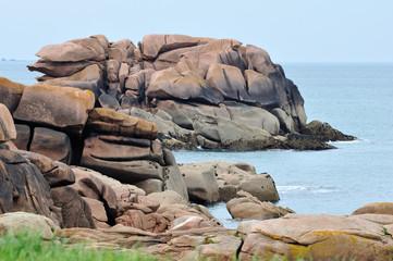Enorme bloc rocheux de granit rose