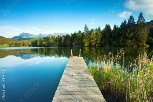 canvas print picture Bergsee mit Alpenblick