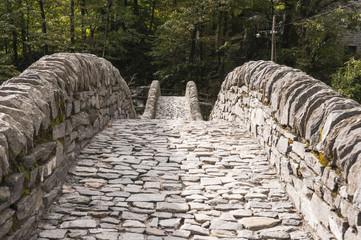 Lavertezzo, Dorf, Valle Verzasca, Römerbrücke, Tessin, Schweiz