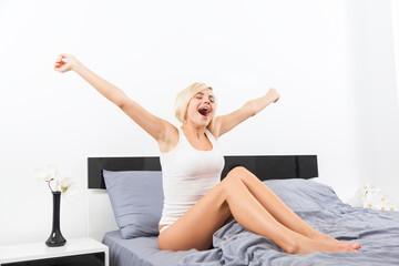 woman yawning, morning wake upd